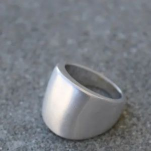 Jewelry - NWOT Sterling Silver Brushed Ring